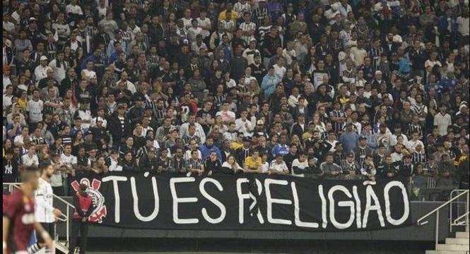 Flamenguista assume em vídeo que a torcida do Corinthians é a melhor do Brasil